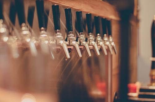 Покупаем пиво оптом в Ростовской области: как выбрать производителя и продукцию